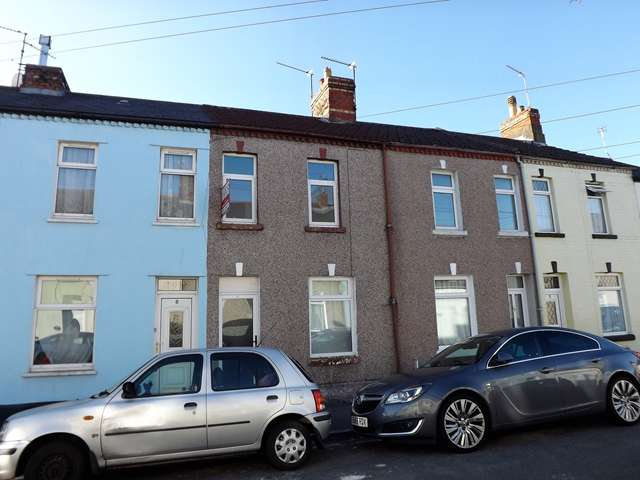 3 Bedrooms Terraced House for sale in GRANGETOWN - Part Refurbished Traditionl Style Mid Terrace House
