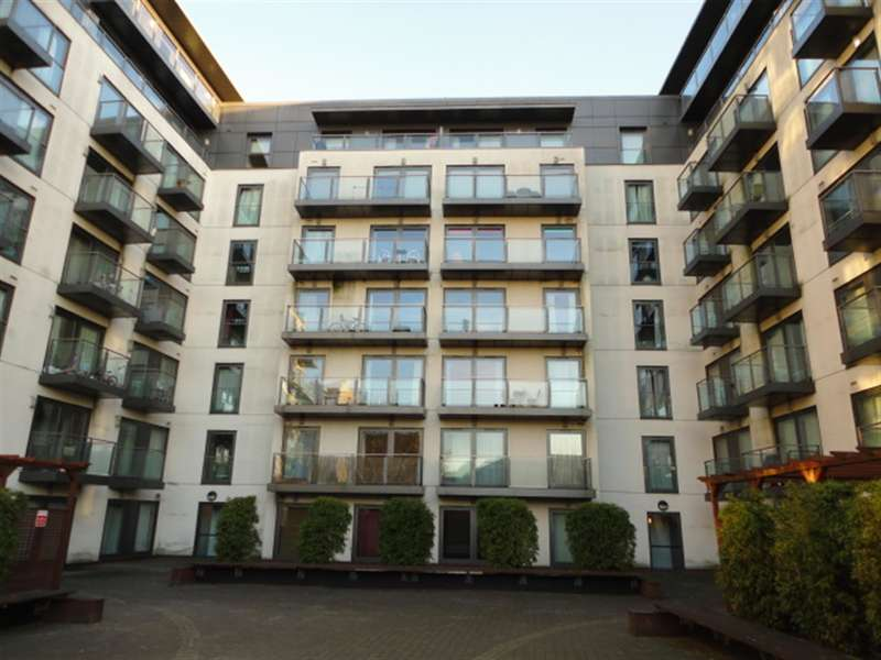 2 Bedrooms Flat for sale in High Street, Slough, , SL1 1ER