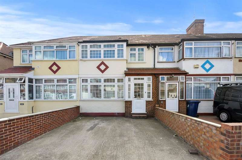 4 Bedrooms Terraced House for sale in Derley Road, SOUTHALL, UB2