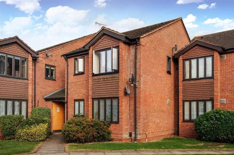 1 Bedroom Studio Flat for sale in Tasker Close, Harlington, Hayes, UB3