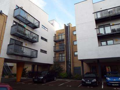 2 Bedrooms Flat for sale in Hulme High Street, Manchester, Greater Manchester