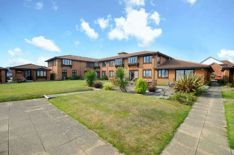 1 Bedroom Flat for sale in Admiralty Road, Bournemouth