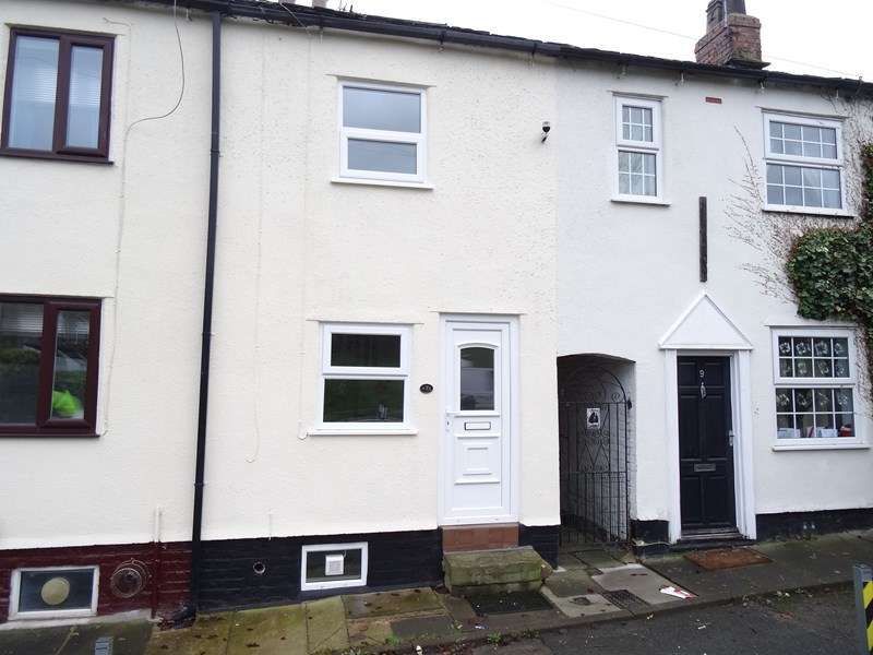 1 Bedroom Terraced House for sale in Hulley Road, Macclesfield, Cheshire, SK10 2LL