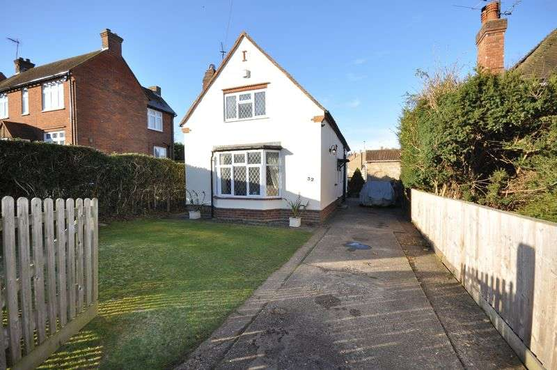 3 Bedrooms Detached House for sale in Tylers Green