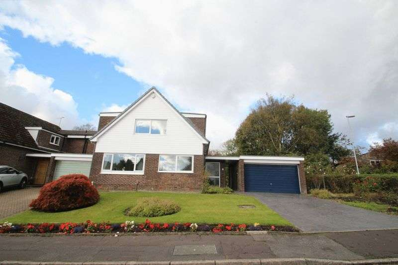 4 Bedrooms Property for sale in Harridge Avenue, Shawclough, Rochdale OL12 7HN