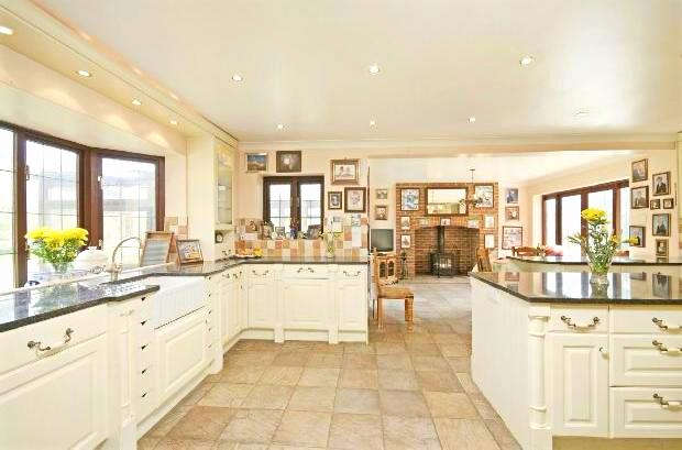 6 Bedrooms Detached House for rent in Laundry House Embley Lane, East Wellow, Romsey, SO51