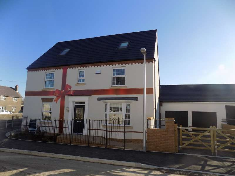 5 Bedrooms Detached House for sale in The Moorecroft St. James Gardens, St. Brides Road, Wick, The Vale Of Glamorgan. CF71 7QB