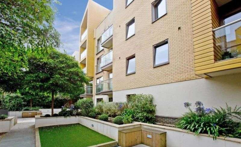 2 Bedrooms Property for sale in Granville Road, London