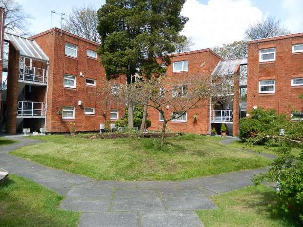 2 Bedrooms Apartment Flat for sale in Field House Haymans Green, West Derby, Liverpool, L12
