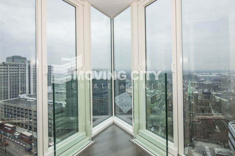 2 Bedrooms Flat for sale in The Pinnacle, 11 Saffron Central Square, Croydon