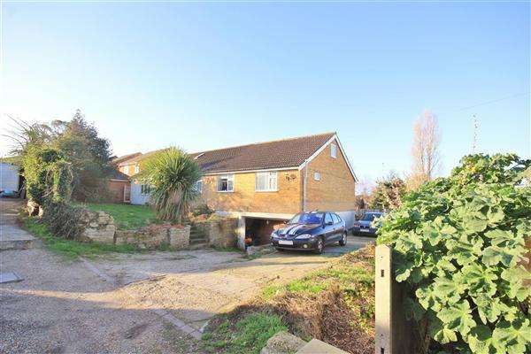9 Bedrooms Bungalow for sale in Curtis Road, Poole