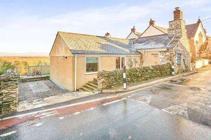 3 Bedrooms Detached House for sale in Torpoint, Cornwall