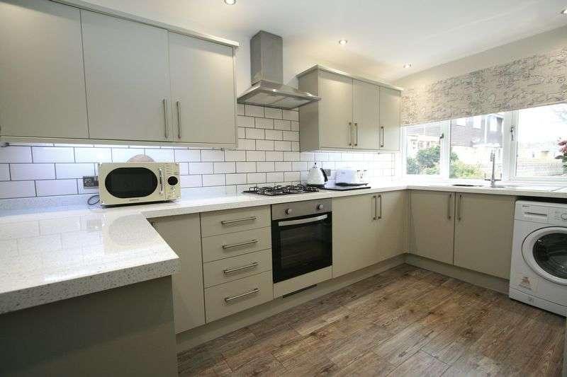 4 Bedrooms Semi Detached House for sale in Allen Court, Llantwit Major