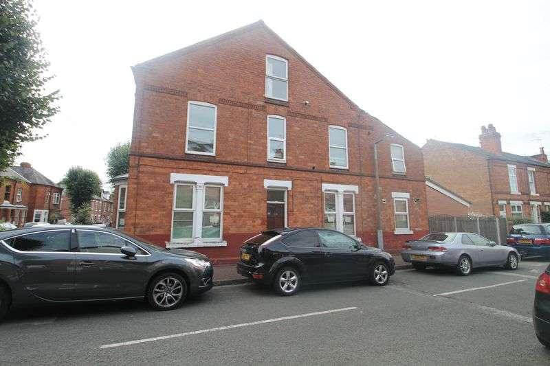 4 Bedrooms Terraced House for rent in Newton Street, Nottingham