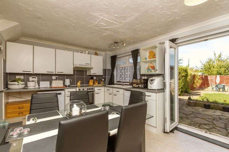 3 Bedrooms Terraced House for sale in Samphire Road, Oxford