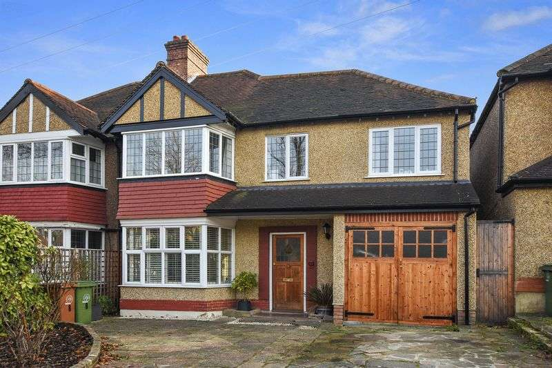 4 Bedrooms Semi Detached House for sale in Newbolt Avenue, Cheam