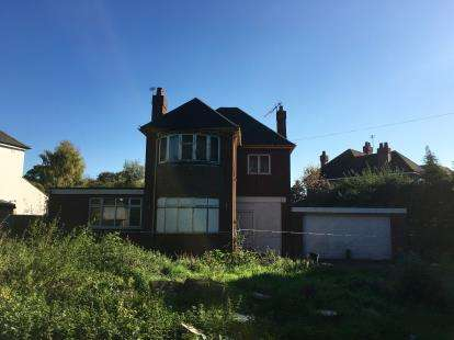 3 Bedrooms Detached House for sale in Wergs Hall Road, Codsall, Wolverhampton, Staffordshire