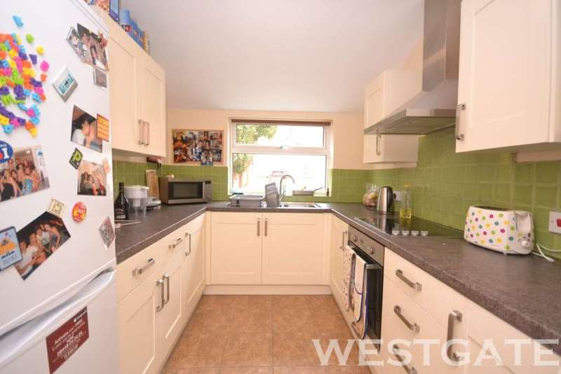 3 Bedrooms Terraced House for rent in St Peters Road, Reading