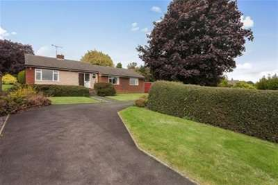 4 Bedrooms Detached Bungalow for rent in Lightwood Road, Marsh Lane, Sheffield, S21