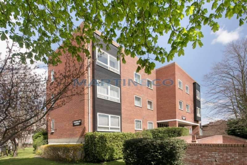 2 Bedrooms Flat for sale in Thurlow Court