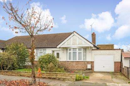 2 Bedrooms Bungalow for sale in Haslemere Avenue, Barnet