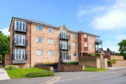 2 Bedrooms Apartment Flat for sale in Bridgepoint Court, 125 Old Watford Road, St. Albans, Hertfordshire