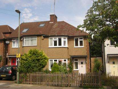 3 Bedrooms Semi Detached House for sale in Calton Road, New Barnet