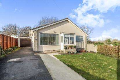 2 Bedrooms Bungalow for sale in Paignton, Devon, Paignton