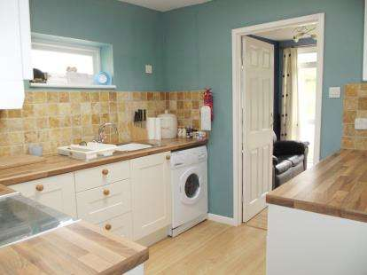 2 Bedrooms Bungalow for sale in Madeira Road, Ventnor, Isle Of Wight