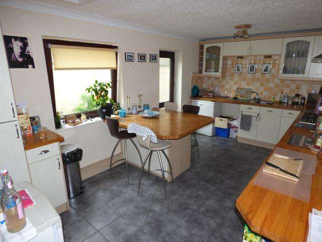 2 Bedrooms Flat for sale in Fleetwood Road North, Thornton Cleveleys, Lancashire, FY5 4AF