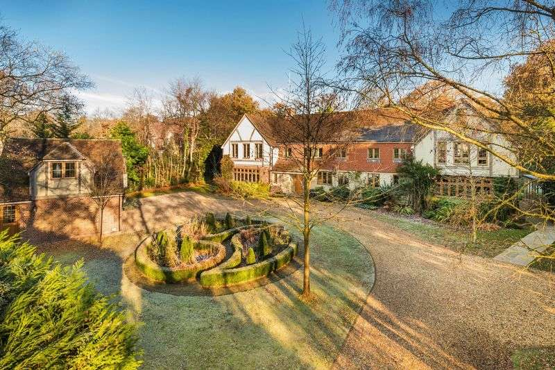 7 Bedrooms Detached House for sale in Compton Way, South Farnham