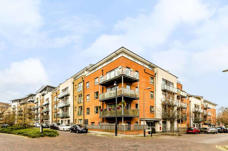 1 Bedroom Flat for sale in Rosse Gardens, Hither Green, SE13