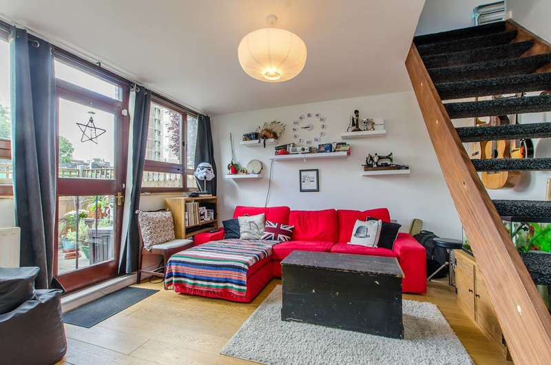 2 Bedrooms Maisonette Flat for sale in St John's Estate, Shoreditch, N1