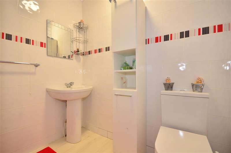 2 Bedrooms Flat for sale in Fitzroy Street, Sandown, Isle of Wight