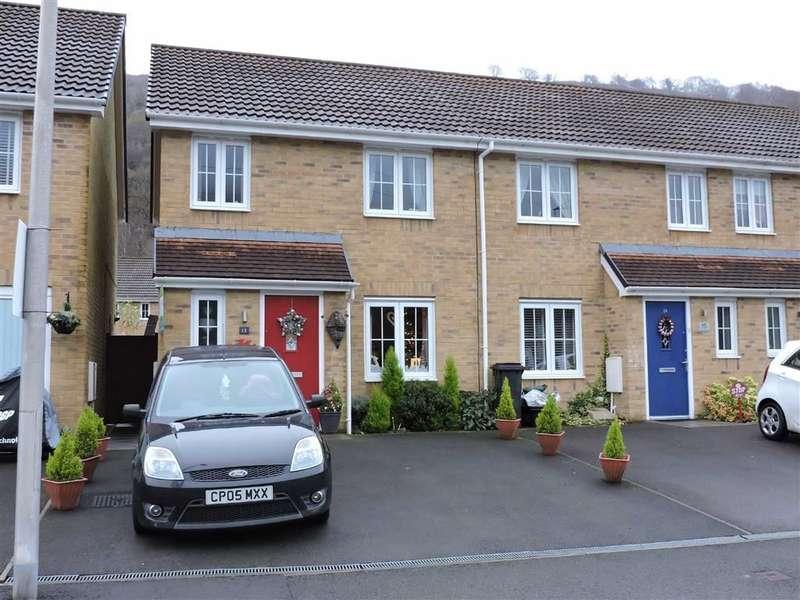 3 Bedrooms Property for sale in Golwg Y Mynydd, Godrergraig