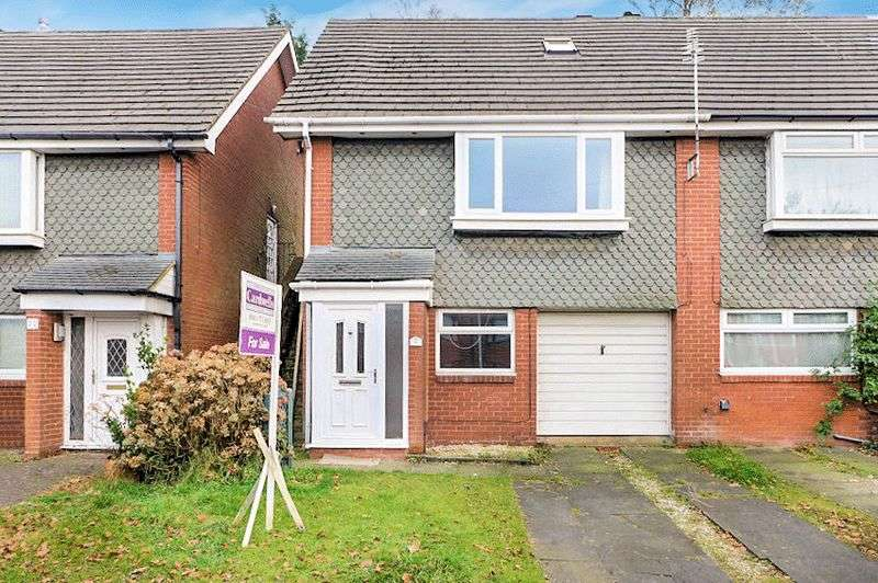 4 Bedrooms Semi Detached House for sale in Stanway Road, Whitefield