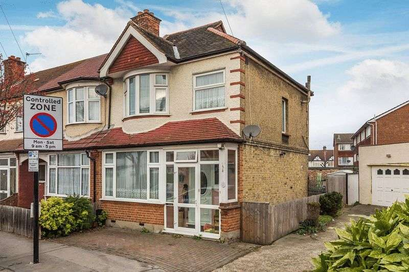 3 Bedrooms Terraced House for sale in Queenswood Avenue, THORNTON HEATH