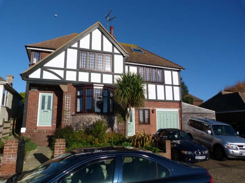 5 Bedrooms Detached House for sale in Cumberland Avenue, Broadstairs