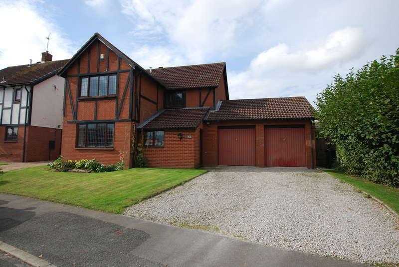 4 Bedrooms Detached House for sale in Tudor Way, Great Boughton, Chester