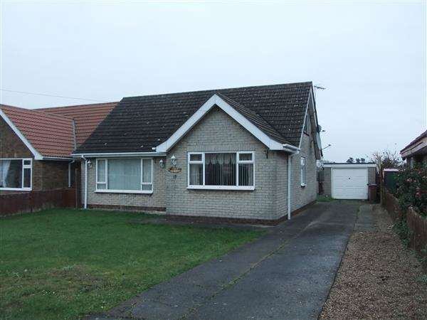 4 Bedrooms Detached Bungalow for sale in Orchard Close, Burton-upon-Stather, Scunthorpe