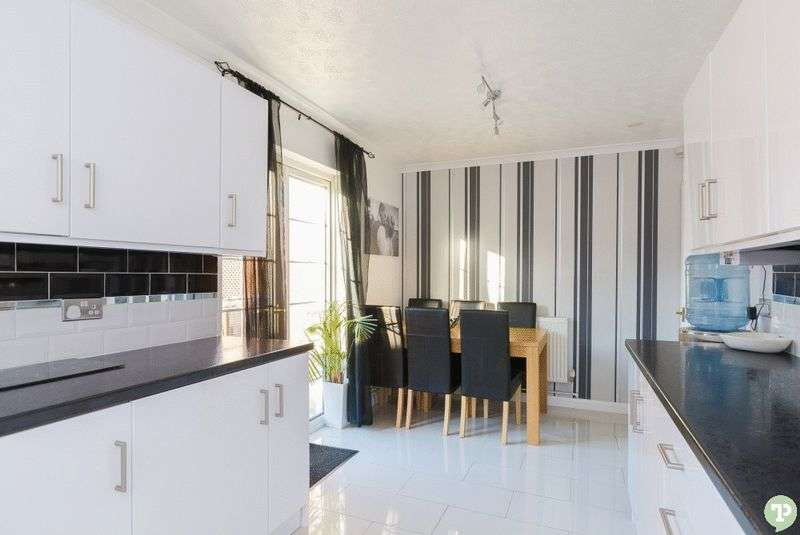 3 Bedrooms Semi Detached House for sale in Waynflete Road, Headington
