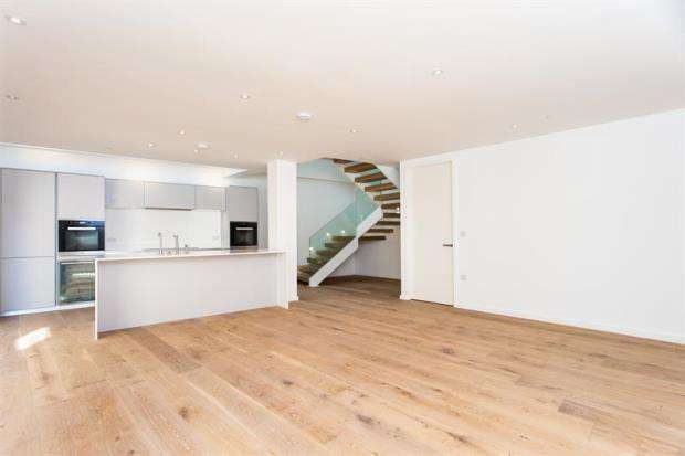 4 Bedrooms Mews House for sale in Burnthwaite Road, London, SW6