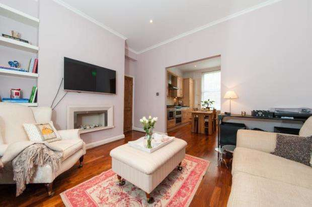 2 Bedrooms Apartment Flat for sale in Elmore Street, London, N1
