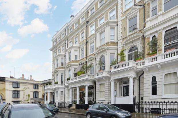 2 Bedrooms Apartment Flat for sale in Cornwall Gardens Court, 47-50 Cornwall Gardens, London, SW7