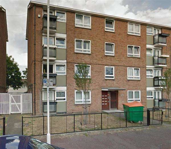 2 Bedrooms Apartment Flat for sale in Parr Road, East Ham