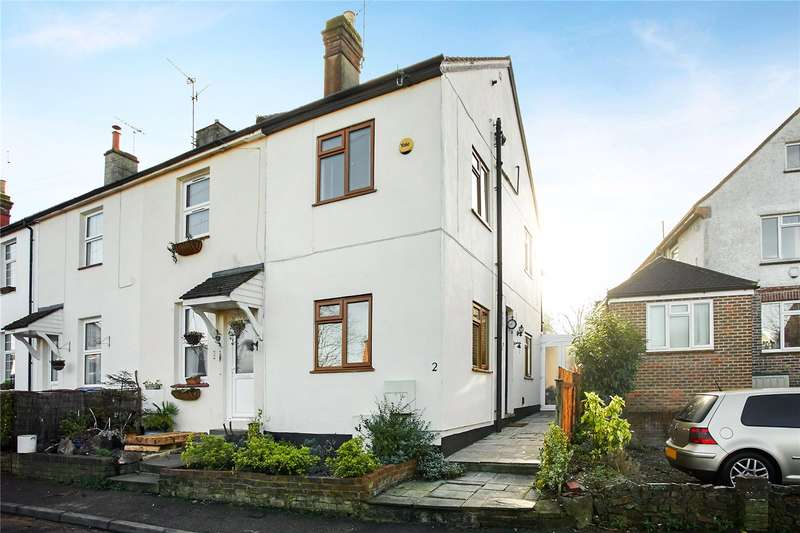 2 Bedrooms Terraced House for sale in Crescent Road, Bletchingley, Redhill, Surrey, RH1