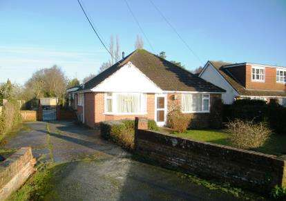 4 Bedrooms Bungalow for sale in Lytchett Matravers, Poole, Dorset