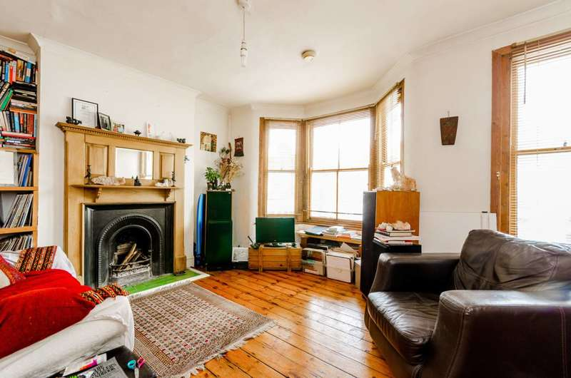 1 Bedroom Flat for sale in Harcourt Road, West Ham, E15