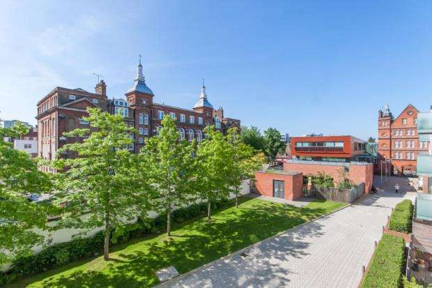 1 Bedroom Apartment Flat for sale in Tiltman Place, Hornsey Road, Holloway, London, N7