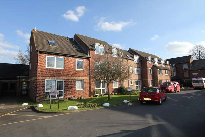 1 Bedroom Flat for sale in Hometeign House, Newton Abbot